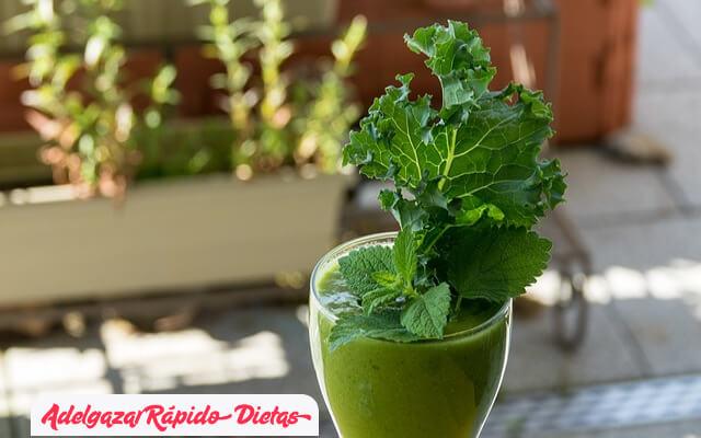Beneficios de los batidos verdes para adelgazar